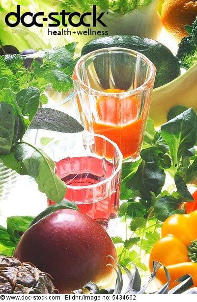frsches Gemüse und Säfte