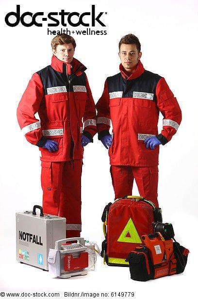 Rettungssanitäter kleidung  Beatmungsgerät, Berufsfeuerwehr Essen, Defibrillator, Deutschland ...