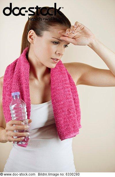 Wasser ,Handtuch ,halten ,Flasche
