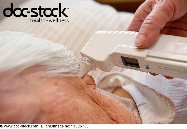 Clinical thermometer in nursing home