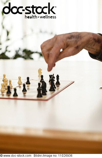 Chess game in nursing home