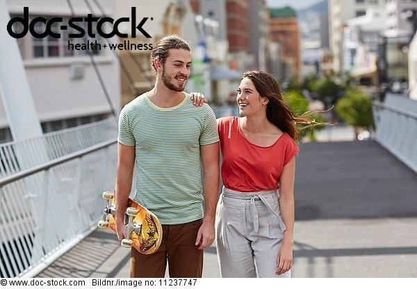 Außenaufnahme,Emotion,Erwachsener,Erwachsenes Paar,Europäer,f0134364