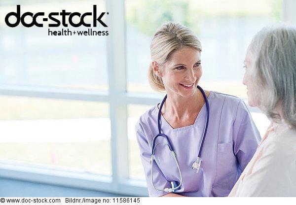 50 bis 60 Jahre,50-60 Jahre,70 bis 80 Jahre,70-80 Jahre,ambulante Pflege,Angesicht zu Angesicht