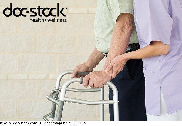 50 bis 60 Jahre,50-60 Jahre,70 bis 80 Jahre,70-80 Jahre,alt,ambulante Pflege