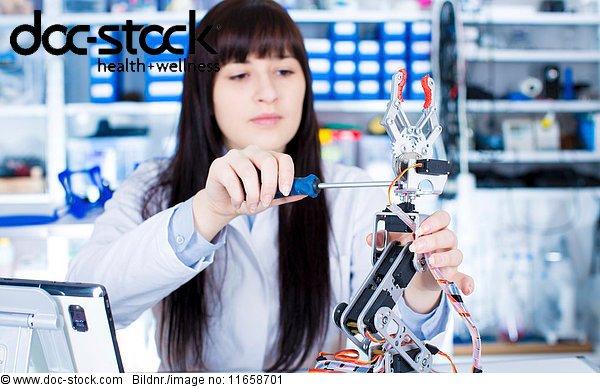 Bildung,eine Person,Einzelperson,Elektrische Energie,Elektrizität,Elektronik
