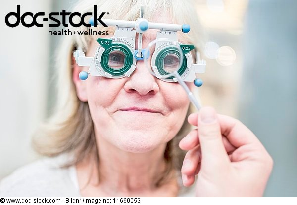 Anschnitt,Arbeitswelt,Arzt,Augenarzt,Augenheilkunde,Behandlung