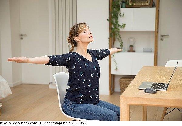 1,absteigen,Anzahl,arbeiten,Arbeiten von Zuhause,Arbeitswelt
